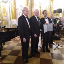 Adam Szejnfeld (pierwszy z lewej),Ryszard Konwerski (pierwszy z prawej)